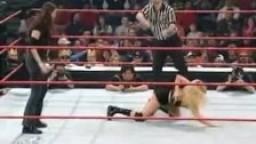 Trish vs Stephanie