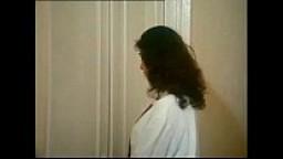 Sarah Young in Le porcone volanti 3 (Mario Bianchi)