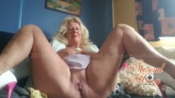 Fucking Mature Tight Pussy with Dolphin Dildo