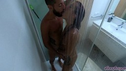 My Hot Girlfriend Want Sex in The Shower And She Finish Me With His Pussy Creampie