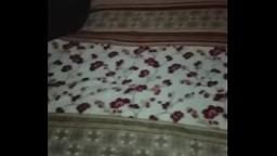 Mi novia esta inconsciente y le presto a mi mejor amigo 3 min